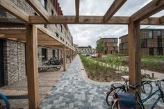 The new Rijnveste complex is a special addition to Idealis's range of housing options. Its small scale and the possibility of sharing a unit with friends gives Rijnveste the feel of a village.