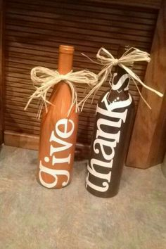 Wine Bottle Crafts – Make the Best Use of Your Wine Bottles – Drinks Paradise Glass Bottle Crafts, Painted Wine Bottles, Diy Bottle, Wine Bottle Corks, Decorated Bottles, Decorate Wine Bottles, Glass Bottles, Wine Bottle Decorations, Fall Wine Bottles
