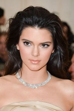 The Hottest Long Hairstyles & Haircuts For 2014 - Kendall Jenner