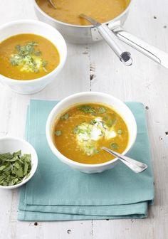 Vandaag een heerlijk recept uit het nieuwe boek van Anne Marie Reuzenaar - Natuurlijk! Elke dag écht eten. Een overheerlijke kopje Indiase wortelsoep!