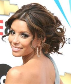 Google Image Result for http://bagsview.com/wp-content/uploads/2012/05/wedding-long-hairstyles-trends-2012-top-trends-fashion.jpg