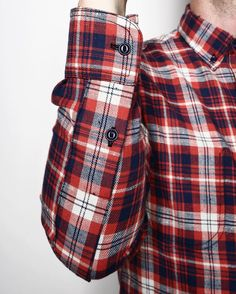 The long sleeve Jumper Shirt has become a staple piece in our product offering over the years. One of its defining details is the signature oversized placket on the sleeve, which doubles as an reinforced elbow. Seen here in our neppy Japanese red plaid. #rogueterritory #rgtforeveryseason