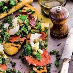 Bruschette with kale (in Ducth) Recept - Bruschette met gebakken boerenkool en chorizo - Allerhande