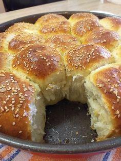 Pizza Pastry, Kitchen Hacks, Bagel, Doughnut, Bread Recipes, Feta, Recipies, Deserts, Muffin