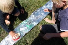 26 Creative Kids' Activities and Crafts for Spring: Tin Foil River and Creative Activities For Kids, Outdoor Activities For Kids, Outdoor Learning, Spring Activities, Creative Kids, Summer Fun List, Summer Kids, Outdoor Crafts, Outdoor Fun
