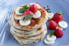 Nothing says breakfast like homemade pancakes.This easy basic buttermilk pancakes recipe will help you recreate this weekend favorite in less than 10 min! Pancake Day, Maple Bacon, Buttermilk Pancakes, Treats, Homemade, Breakfast, Easy, Recipes, Food