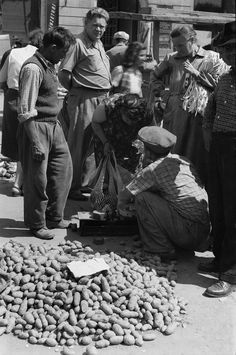 Mercados populares (1956) Paris, Socialist State, Warsaw Pact, Central And Eastern Europe, Bucharest Romania, Soviet Union, Time Travel, Old Town, My World