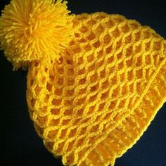 Five Sixteenths Blog: Make it Monday // Crocheted Pom Hat