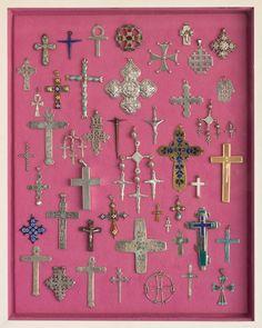 Alexander Girard, Shadowbox with crosses, 1960-69.© Alexander Hayden Girard. Indianapolis Museum of Art.