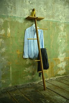 Modern day Valet Stand/ Clothes Organiser by TidyboyBerlin Clothes Valets, Valet Stand, Easter Sale, Round Bar, Light Oak, Room Accessories, Dyi, Awesome Bedrooms, Diy Furniture