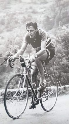 Alpe D Huez, Best Football Players, Cycling Art, Bicycle, Racing, Pocket, Pictures, Vintage, Warriors