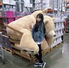 Jenna Leunggg https://m.youtube.com/channel/UCfk_L4i_f6ihkItngXJFpxQ