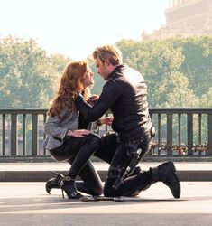 Queen Katherine Mcnamara Clary And Jace, Shadowhunters The Mortal Instruments, Clace, Katherine Mcnamara, Shadow Hunters, Ethereal, Actresses, Queen, Couple Photos