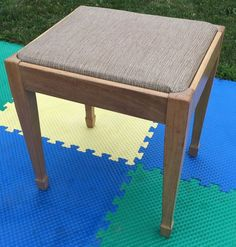 VINTAGE SINGER SEWING MACHINE CABINET BENCH STOOL CHAIR SEAT STORAGE MID-CENTURY