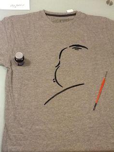 Camiseta de Alfred Hitchcock, pintada a mano.
