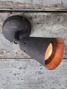 Single industrial spotlight