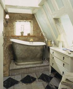 Irisu0027s Cottage Bathroom Tub / Irisu0027s English Cottage From The Movie U201cThe  Holidayu201d