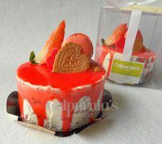 Minicake red velvet Valentine's day Red Velvet, Panna Cotta, Valentines Day, Bakery, Pudding, Ethnic Recipes, Desserts, Food, Valentine's Day Diy