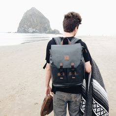 Snapwidget Decoy Camera Bag Get To Your In The Blink Of An Eye From Side Pocket Www Langly Co Regram Neekmason Camerabag Packandgo
