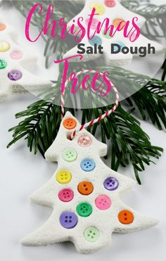 Wonderful little Christmas Craft Idea! Super easy to make with a good salt dough recipe and instructions to make it last forever! #saltdough #saltdoughornaments #christmascraftsforkids #kidschristmas #christmastreecrafts #kidsactivities #christmas #easychristmas #funchristmas #sensoryplay