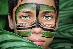 Niño de Sao Paulo  - Powerful Portraits Of The Human Race9 - David Lazar