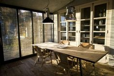 El comedor Wood Windows, Windows And Doors, Spanish Modern, Country Interior Design, Cottage, Steel House, Modern Country, Beautiful Space, Sweet Home