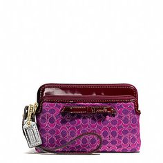 The Poppy Double Zip Wristlet In Metallic Outline Fabric from Coach - fits my phone too. Coach Bags 2017, Coach Handbags Outlet, Cheap Coach Bags, Coach Purses, Purses And Handbags, Coach Outlet, Fashion Handbags, Women's Wristlets, Day Bag