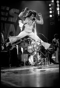 """James Brown, theycalled him, """"the hardest working man in show business."""" James Brown was born in Barnwell, South Carolina on May Happy Birthday, James Brown! [Watch & Listen to James Brown. James Brown, Pop Rock, Rock And Roll, Blues Rock, Estilo Cholo, Wow Photo, Hip Hop, Beatles, Soul Funk"""