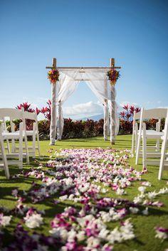 Royal Lahaina Resort in Ka'anapali #MauiWedding #HawaiianWedding #weddingdetails…