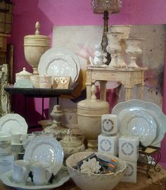 A beautiful display of Legado dinnerware and Lauren Glass at In The Pink, Phoenix AZ.