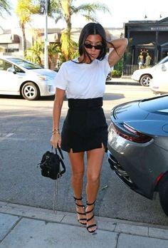 Kourtney kardashian Trendy Style Sommer Kourtney Kardashian Ideen Yoga Clothing - Dressing Down Estilo Kardashian, Khloe Kardashian, Estilo Jenner, Celebrity Summer Style, Style Summer, Summer Fall, Spring, Mode Outfits, Fashion Outfits