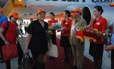 Hàng không tăng chuyến, thêm đường bay mùa hè  Các hãng bay trong nước tăng hàng chục chuyến mỗi ngày và mở thêm đường bay đến các điểm du lịch trong nước để phục vụ nhu cầu đi lại của người dân dịp hè.  #dulichvietnam #24hdulich #tintucdulich #sotaydulich #camnangdulich�