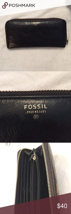 FOSSIL! Wallet! Great condition, black leather fossil wallet Bags Wallets