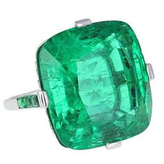 Important Art Deco Colombian emerald ring mounted in platinum, by Cartier…