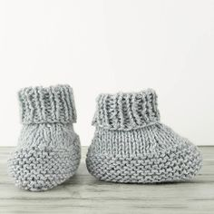 When it comes to function and design, you need to check out the World's Easiest Knit Baby Booties. No double pointed needles required!