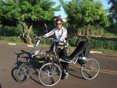 Audax Campinas SP.300km-2007 Cezar Barbosa segurando a sua Zöhrer FWD que está em testes e a bike do Eduardo Bernhardt que é uma Zöhrer EXD. <BR>Eles fizeram o Audax de 300km em Campinas! <BR>Foto-Eduardo Bernhardt - Fotolog