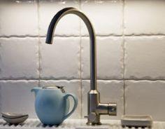 Rouheat käsintehdyt laatat. Wall Tiles, Sink, Handmade, Home Decor, Room Tiles, Sink Tops, Vessel Sink, Hand Made, Decoration Home