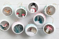Make Retro Christmas Diorama Ornaments filled with Miniatures! Make Retro Christmas Diorama Ornaments filled with Miniatures! Vintage Christmas Crafts, Christmas Ornament Crafts, Retro Christmas, Simple Christmas, Handmade Christmas, Christmas Diy, Christmas Decorations, Diy Ornaments, Holiday Crafts
