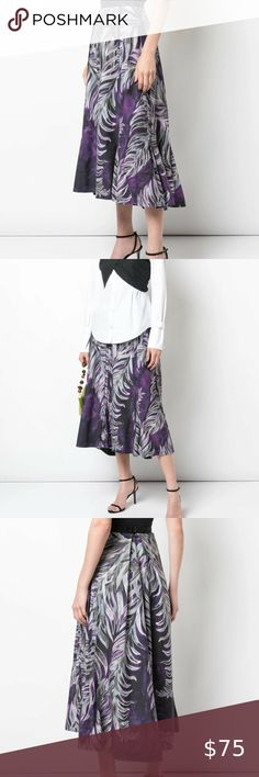 BNWT Ladies Silver Twisted Knot Crep Skirt from Missi sizes S//M M//L