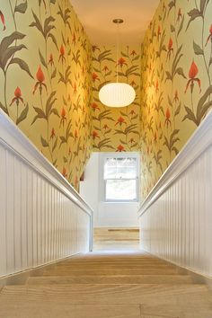 Orchid wallpaper turns the stairway into a delightful setting [Design: Benco Construction] Hall Wallpaper, Wood Wallpaper, Print Wallpaper, Wallpaper Ideas, Yellow Stairs, Orchid Wallpaper, Linen Lamp Shades, Victorian Wallpaper, Traditional Staircase