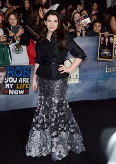 Stephenie Meyer  at 'The Twilight Saga: Breaking Dawn - Part 2' Premiere in Los Angeles