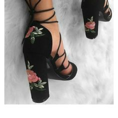 high heels, flower prints, black heels   TheHunt.com