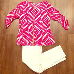 Old Navy Geometric Blouse Pink and white geometric pattern blouse. Three quarter length sleeves with button clasp. Small slits along the bottom on each side. Old Navy Tops Blouses