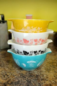 LUCKY IN LOVE Vintage Pyrex RARE UNIQUE * RAREST OF THE RARE* MID-CENTURY DIE