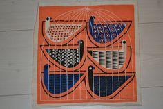 Swedish fabric bird design Maud Fredin by Scandinaviavandesign, Textile Prints, Textile Patterns, Textile Design, Textile Art, Fabric Design, Scandinavian Folk Art, Fabric Birds, Bird Design, Mid Century Modern Design