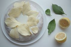 how to make white chocolate leaves for decorating a cake