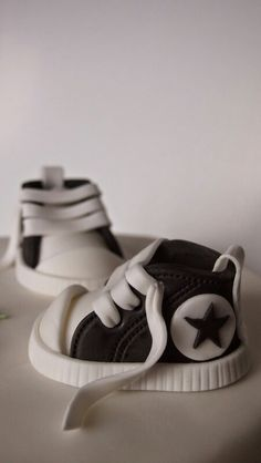 Black converse sneakers Black Converse, Converse Sneakers, Bakery, Shoes, Fashion, Moda, Zapatos, Shoes Outlet, Fashion Styles