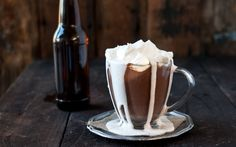 Stay Warm With This Beer-Based Hot Chocolate Hot Cocoa Recipe, Cocoa Recipes, Beer Recipes, Drink Recipes, Chocolate Stout, Homemade Hot Chocolate, Hot Chocolate Recipes, Fun Drinks, Yummy Drinks