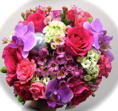 ruusua, orkideaa, vahakukkaa...