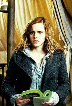 Hermione Granger: - J'espère que vous êtes contents de vous. On aurait pu se faire tuer, ou pire, être renvoyés.